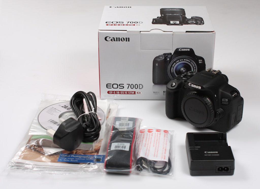 Hình ảnh trọn bộ sản phẩm Canon 700D