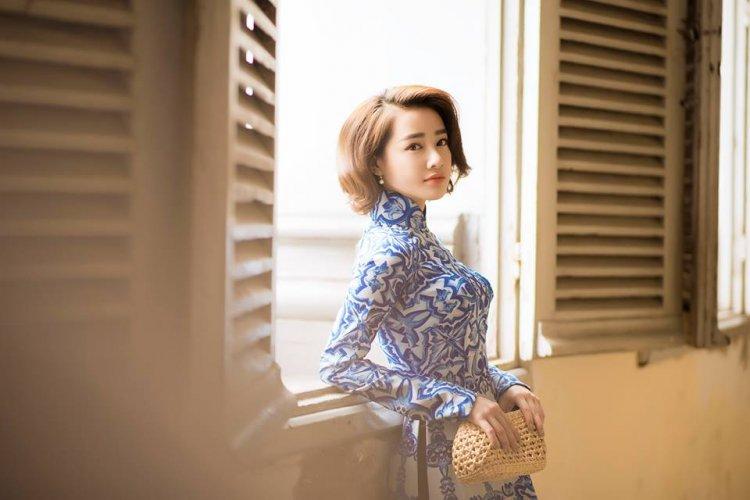 Nhã Phương xinh đẹp nền nã với áo dài họa tiết gạch bông - 03