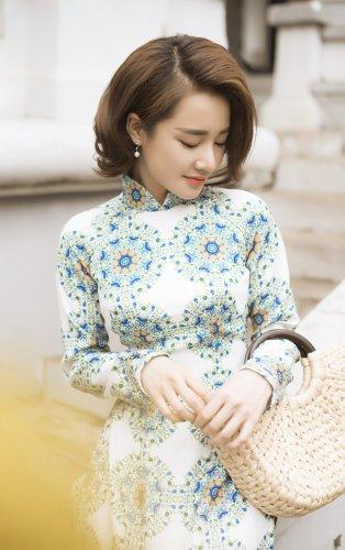 Nhã Phương xinh đẹp nền nã với áo dài họa tiết gạch bông - 11