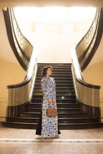 Nhã Phương xinh đẹp nền nã với áo dài họa tiết gạch bông - 15