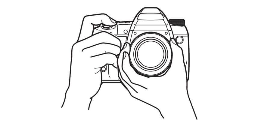 Hướng dẫn cách cầm máy ảnh chuyên nghiệp để chụp ảnh sắc nét, không rung
